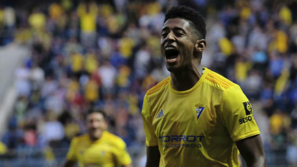'Choco' Lozano celebra un gol en el Ramón de Carranza