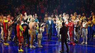 Leo Messi en la pista con los artistas el día del estreno de...