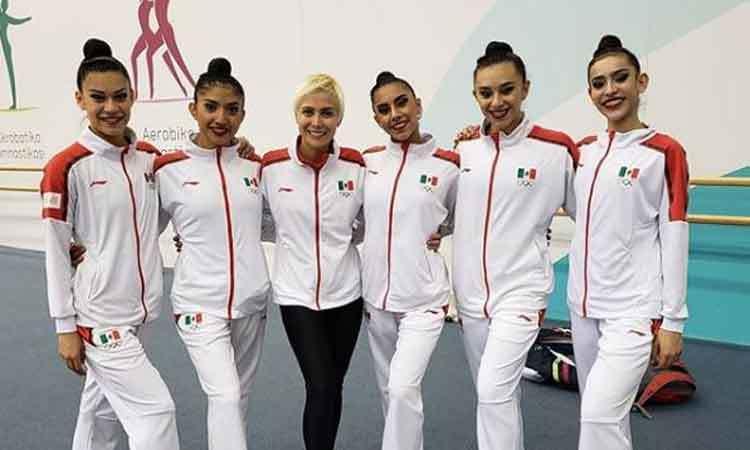 Blajaith Aguilar y el equipo mexicano de gimnasia rítmica