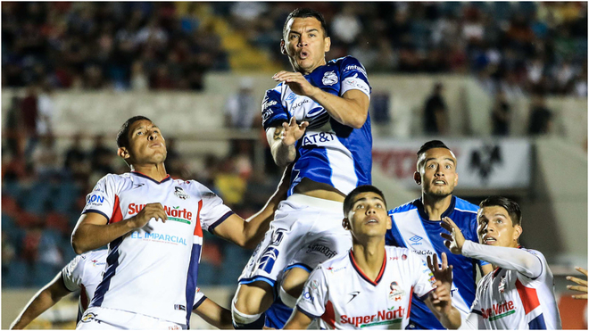 Cimarrones y Puebla compitiendo en el Héroe de Nacozari