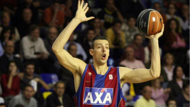 Jordi Trías disputando un partido de ACB con el Barcelona