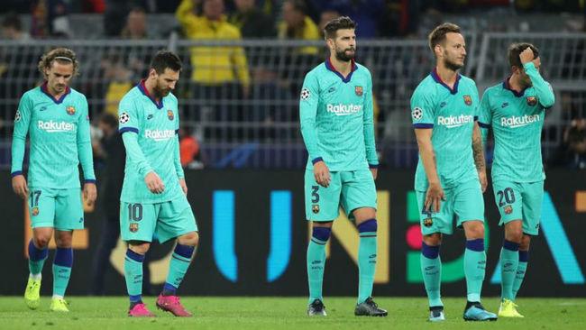 Los jugadores del Barcelona en el partido ante el Borussia.