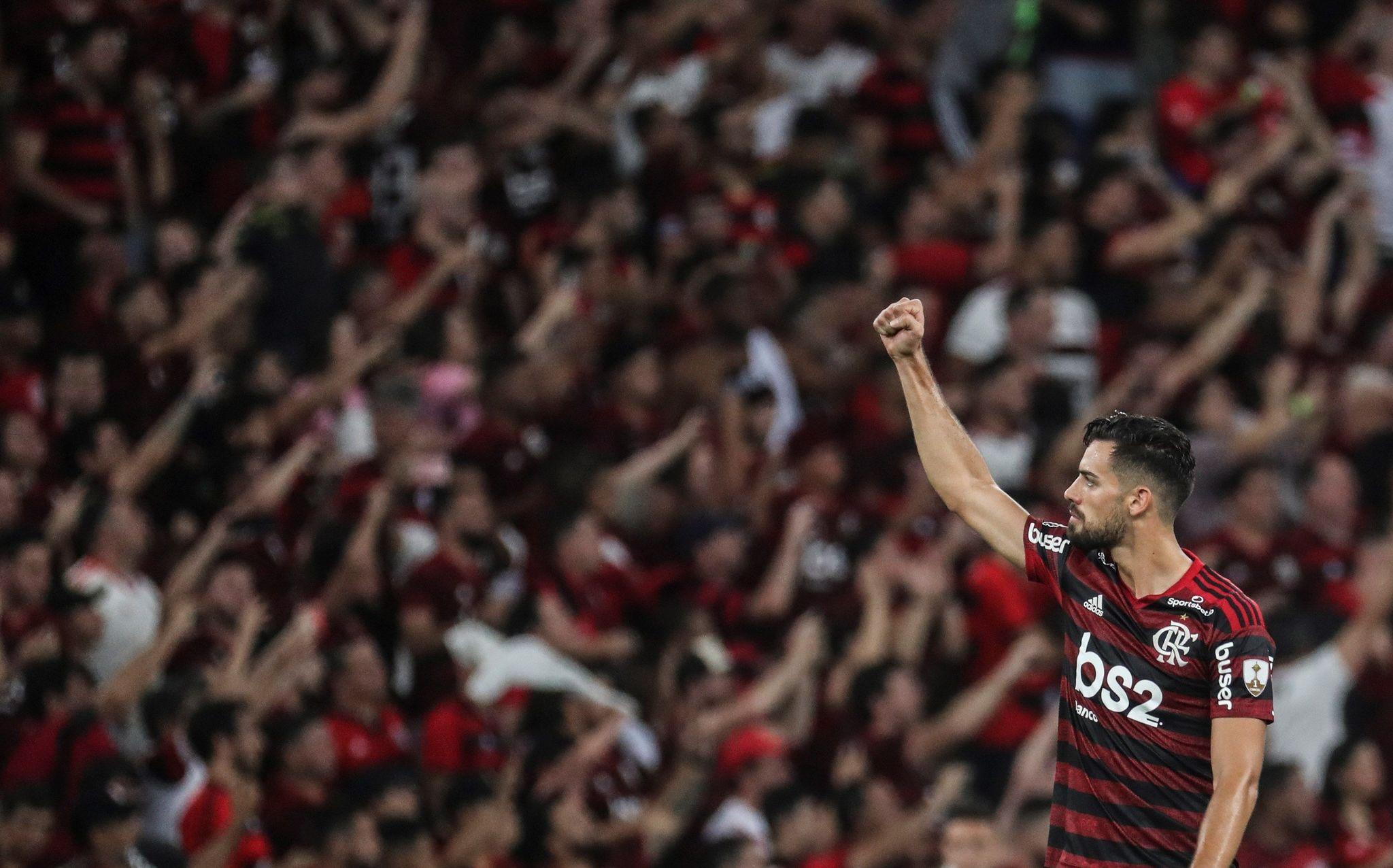 AME4342. RÍO DE JANEIRO (BRASIL), 23/10/2019.- El jugador de Flamengo <HIT>Pablo</HIT><HIT>Marí</HIT> celebra un este miércoles en el partido de vuelta por las semifinales de la Copa Libertadores entre los clubes brasileños Flamengo y Gremio en el estadio Maracaná de Río de Janeiro (Brasil). EFE/ Antonio Lacerda