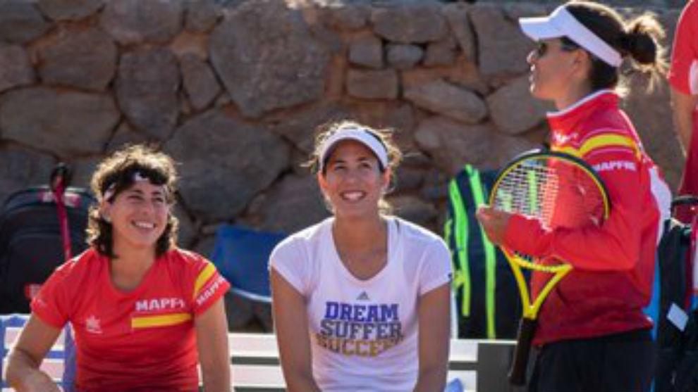 Carla, Garbiñe y Anabel Medina