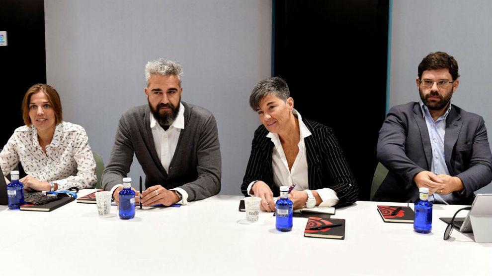 Miembros de la ACFF durante una reunión informativa con la prensa.