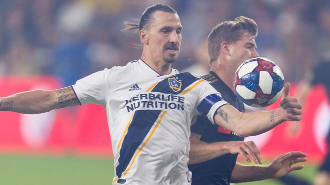 Zlatan en el duelo ante el LAFC.