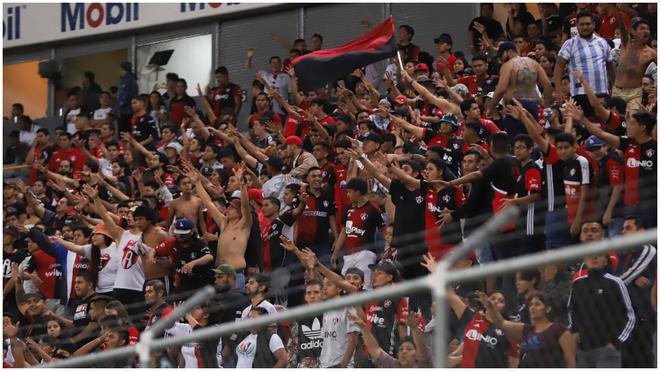 Porra del Atlas en el Estadio Jalisco