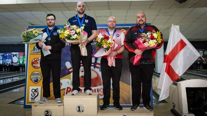 El podio masculino, con Paco Rodríguez, primero por la derecha.