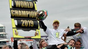 Dalla Porta celebra su título de Moto3.