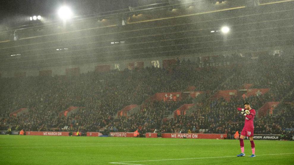 Angus Gunn, durante el 0-9 del Leicester.