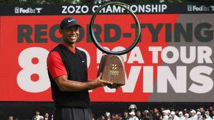 Tiger Woods (43) tras ganar el Zozo Championship en Chica (Japón).