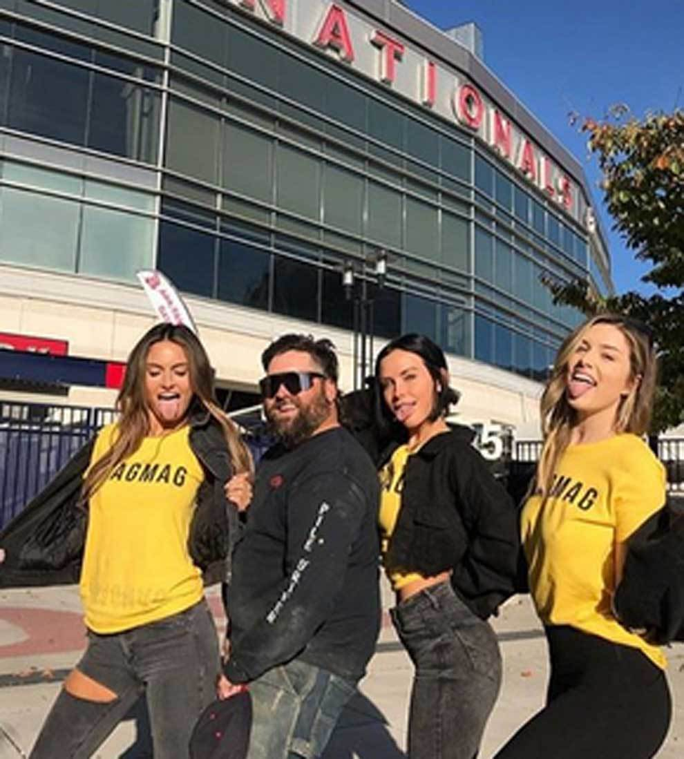 Julia Rose, Lauren Summer y Kayla Lauren , activistas del movimiento 'Free the Nipple', enseñaron los pechos en las Series Mundiales de béisbol