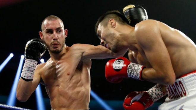 Maxim Dadashev en su combate contra Antonio de Marco.