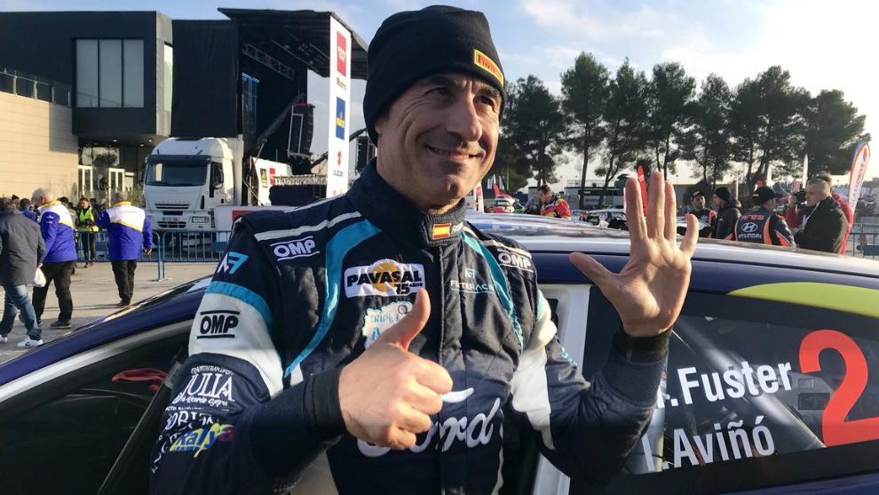 El piloto de Benidorm festejando su sexto título hace un año.