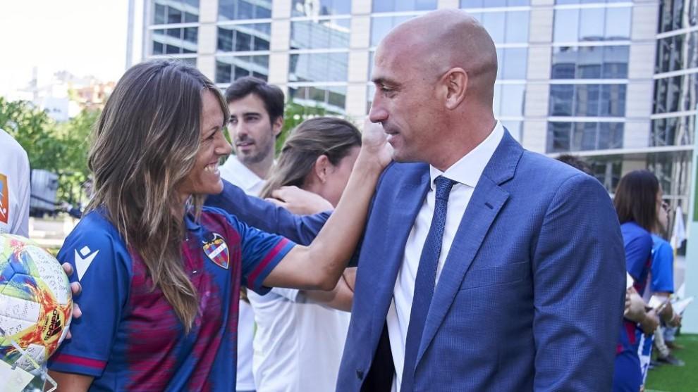 Luis Rubiales, presidiente de la Federación Española de fútbol,...