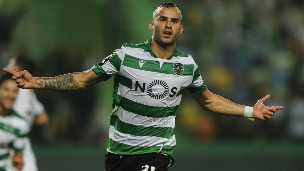 Jesé Rodríguez (26) celebra su gol al Vitória Guimaraes con el...