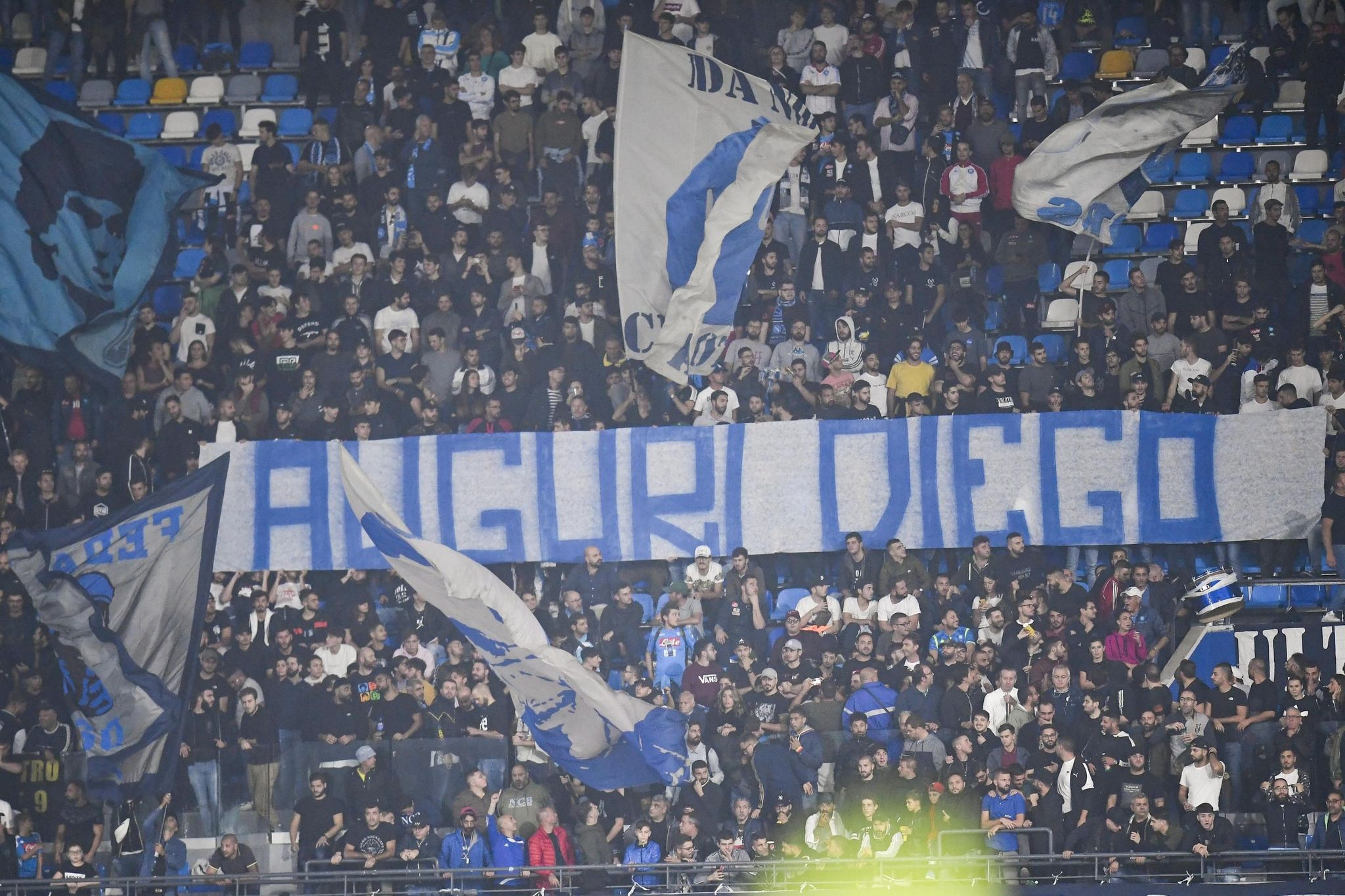 Naples (Italy), 30/10/2019.- A banner exposed in the stadium for <HIT>Napoli</HIT>s former player Diego Armando Maradona during the Italian Serie A soccer match between SSC <HIT>Napoli</HIT> and Atalanta BC at the San Paolo stadium in Naples, Italy, 30 October 2019. (Italia, Nápoles) EFE/EPA/CIRO FUSCO
