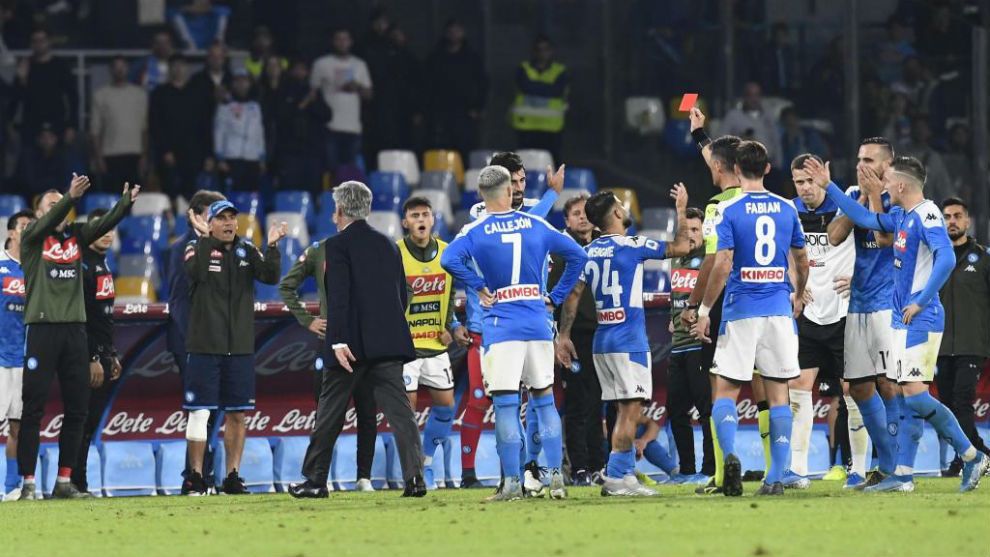 Pino Giacomelli expulsa a Ancelotti.