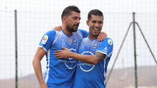 Juanjo a la izquierda tras marcar su último gol este pasado domingo