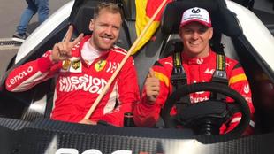 Sebastian Vettel y Mick Schumacher.