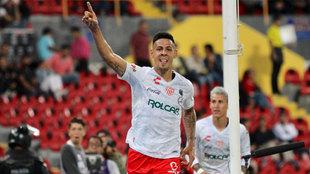 Mauro Quiroga celebra su gol ante el Atlas