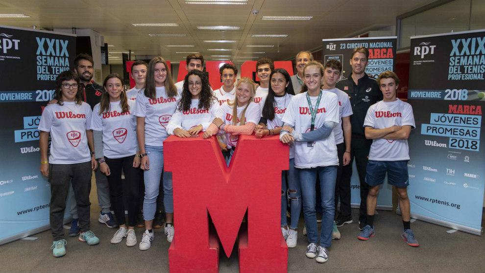 Visita a MARCA de los participantes en el Master del Circuito MARCA...