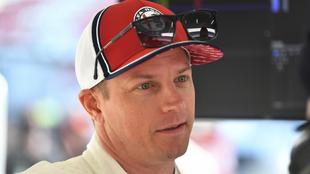 Kimi Räikkönen, en el box de Alfa Romeo.