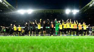 El Dortmund celebra su victoria ante el Wolfsburgo