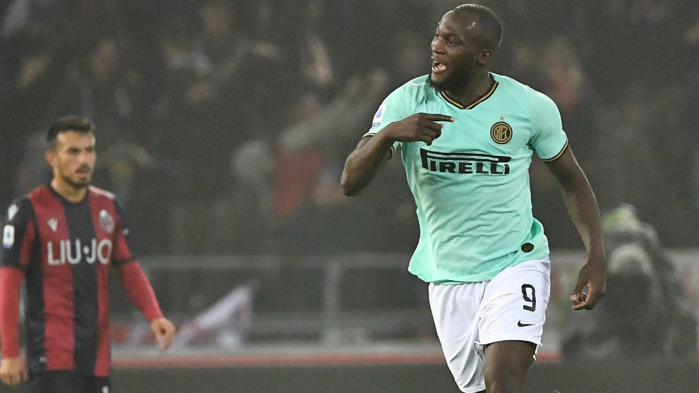 Romelu Lukaku (26) celebra su primer gol ante el Bolonia.