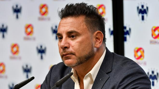 El Turco Mohamed tras el partido ante Veracruz.