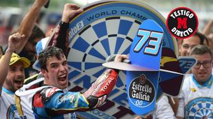 Alex Marquez celebrando el título de MOTO 2 2019