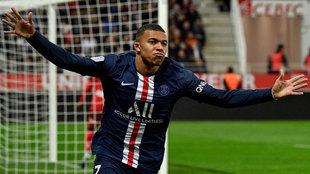 Kylian Mbappé celebra su último gol con el PSG.