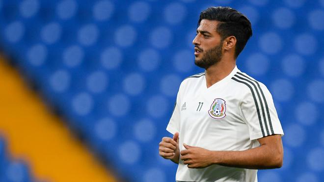 Carlos Vela vistiendo la camiseta de la selección mexicana.