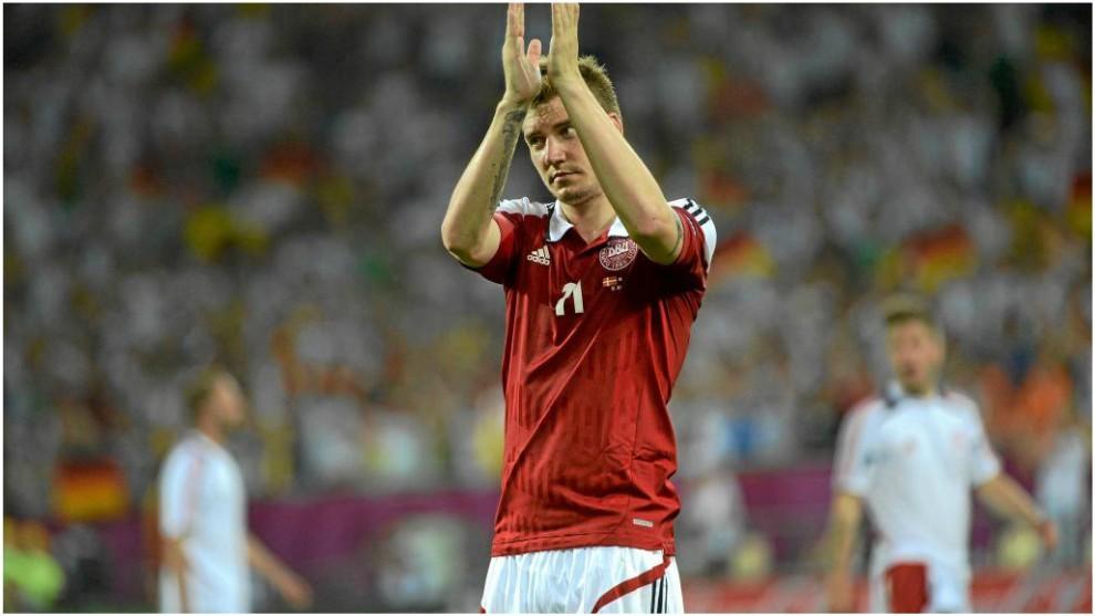 Bendtner, con su selección.