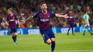 Carles Pérez, celebra el tercer gol del equipo blaugrana  frente al...