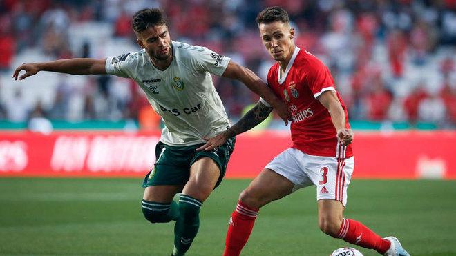 Grimaldo, con el Benfica.
