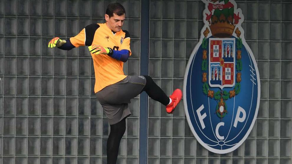 Casillas, en un entrenamiento con el Oporto.