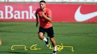 Daniel Carriço, en un entrenamiento con el Sevilla.
