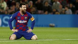 Messi se lamenta de una ocasión fallada en el partido ante el Slavia.
