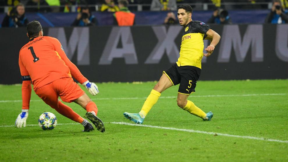 Achraf  supera a Handanovic en el 3-2.