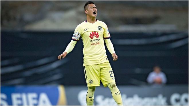 Jesús Moreno jugando para el América en el Azteca