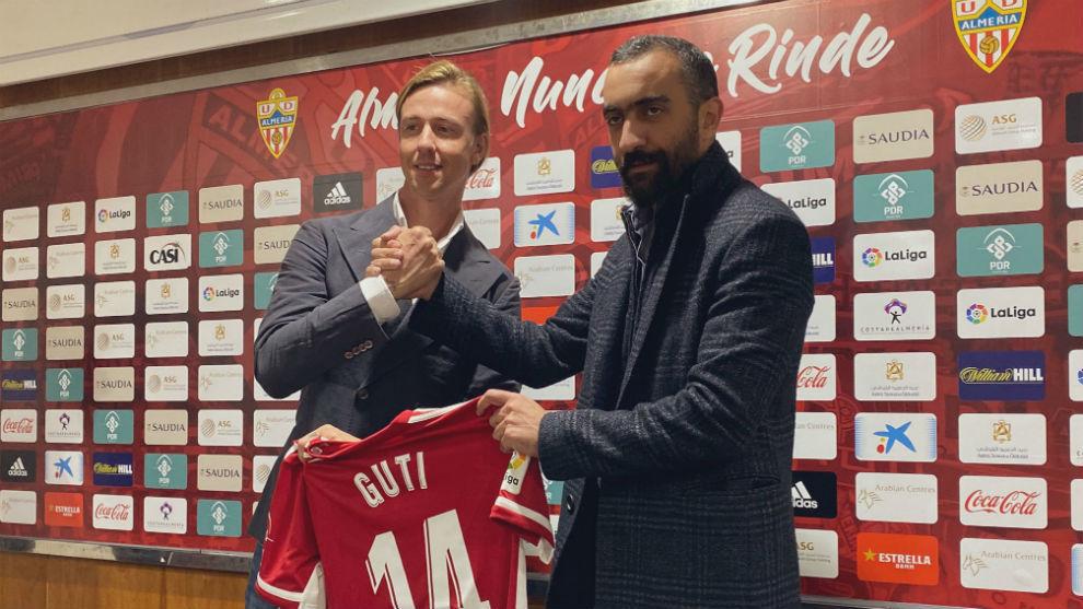 Guti es presentado por Mohamed El Assy como nuevo entrenador indálico