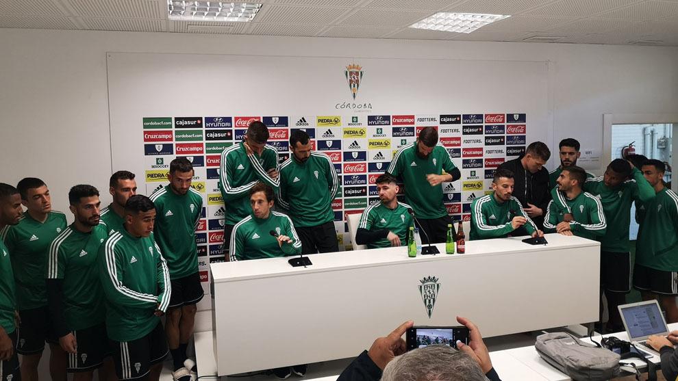 La plantilla del Córdoba en sala de prensa
