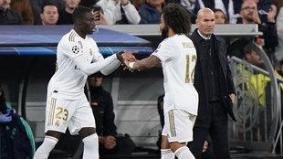 Mendy entra por el lesionado Marcelo.