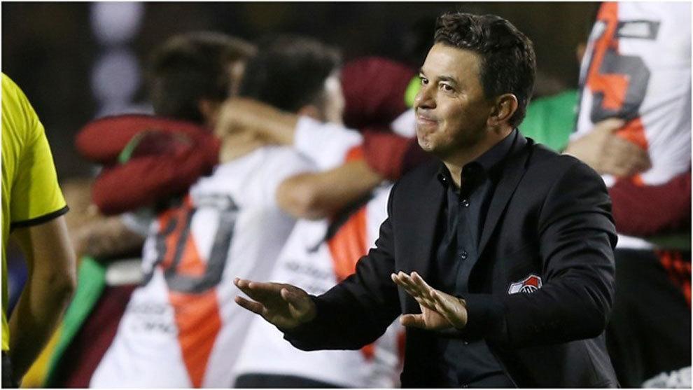 Marcelo Gallardo dirigiendo a River Plate