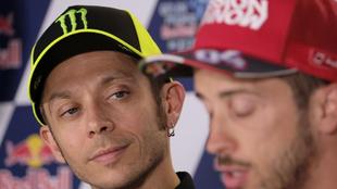 Valentino Rossi y Andrea Dovizioso en sala de prensa.