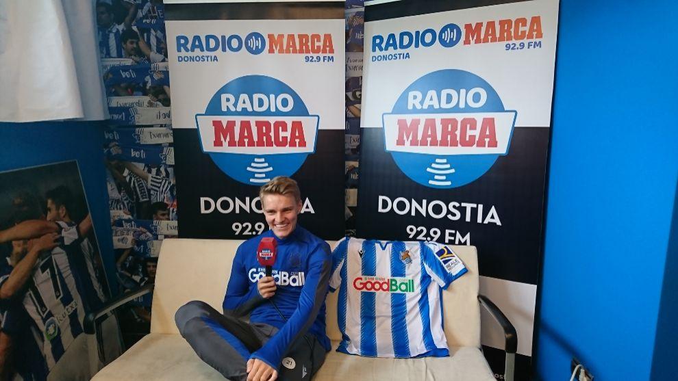 Odegaard, en un momento de su entrevista con Radio MARCA Donostia.