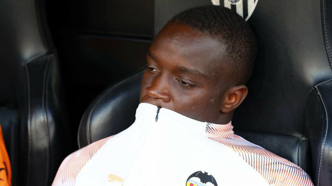 Diakhaby, on the bench of Mestalla.