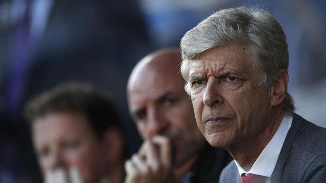Wenger, durante un partido con el Arsenal.