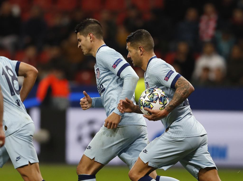 Morata y Vitolo contra el Leverkusen
